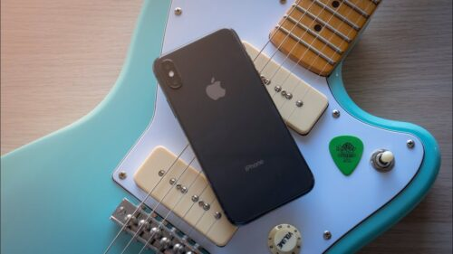 Guitar and iPhone